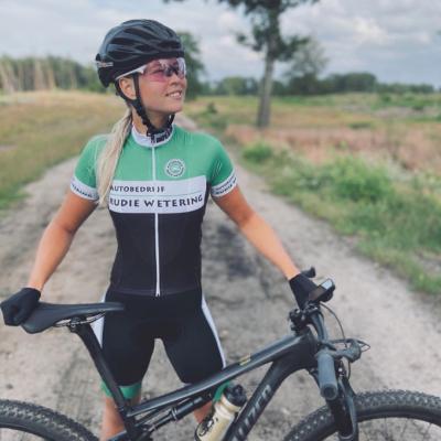 Lobke Nijhoff - Pro cyclist
